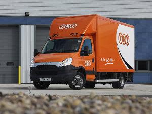 Fleet Van News Tnt Downsizes Amp Masters For Loo Co