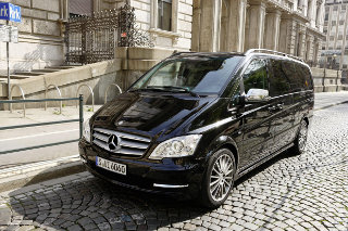 Carisma Mercedes-Benz Viano conversion