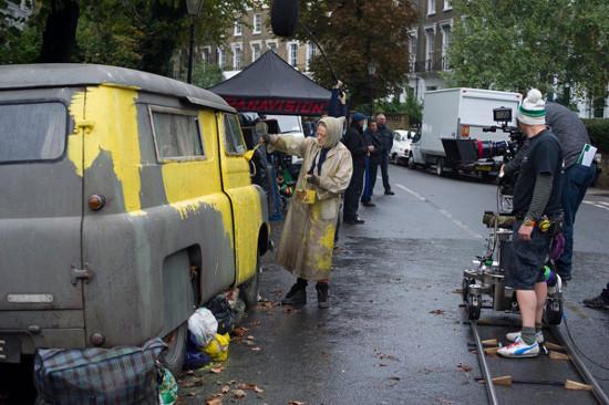 Maggie Smith painting van in The Lady In The Van