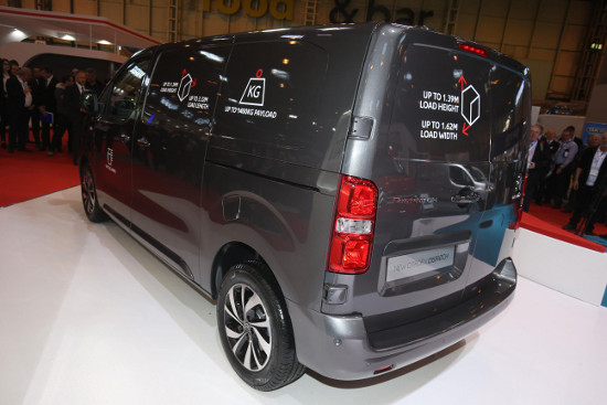 New Citroen Dispatch rear view