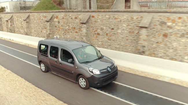 Renault Kangoo Z.E. using DEVC wireless charging