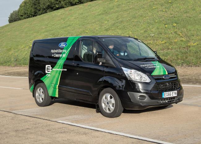 Ford Transit Custom plug-in hybrid van